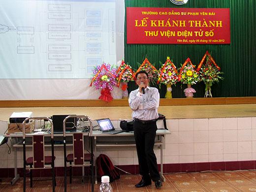 ông Nguyễn Công Hà-GĐ công ty TNHH tài nguyên trực tuyến Vina thành phố Hồ Chí Minh giới thiệu về thư viện điện tử số